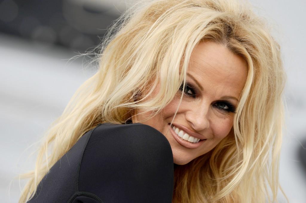 Памела Андерсон станет последней обнаженной моделью Playboy