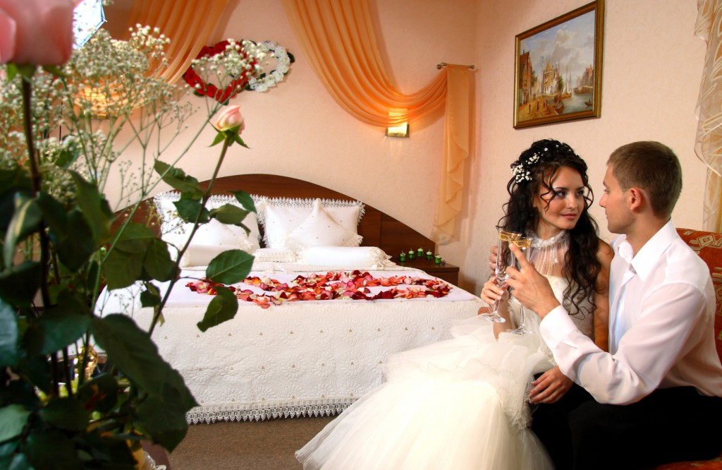 Стриптиз в брачную ночь