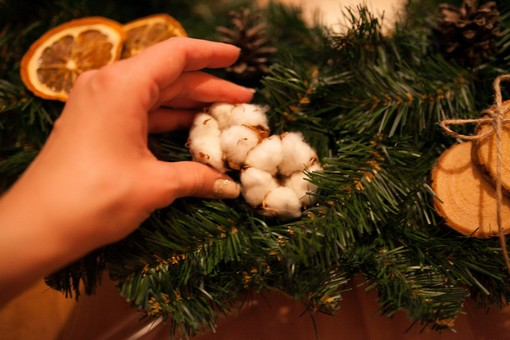 Хлопок и венок на Рождество своими руками