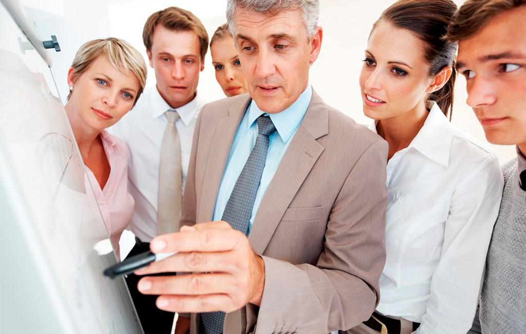 Как правильно вести себя с начальником?
