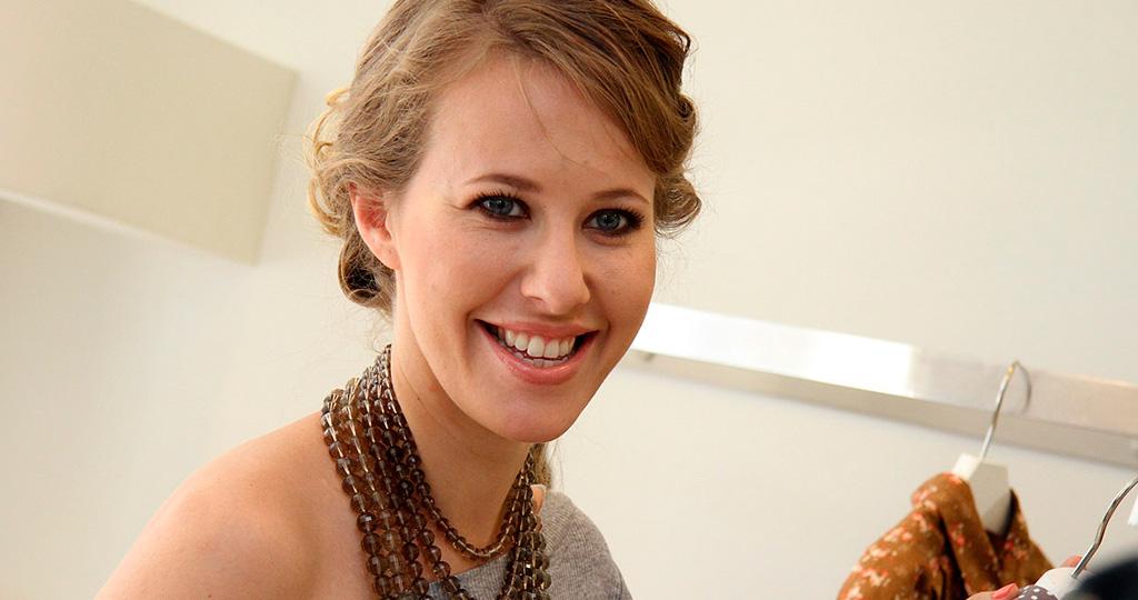 Ксения Собчак устроила хаос из одежды в своём доме