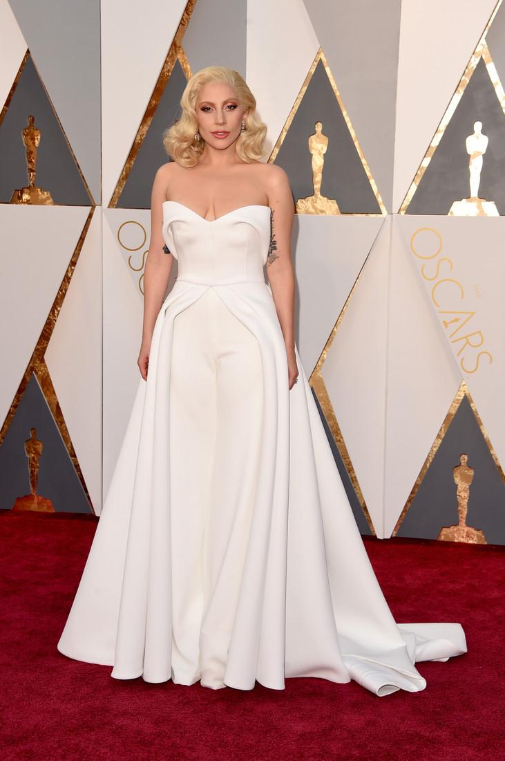 "Леди Гага платье ""Оскар"" 2016"