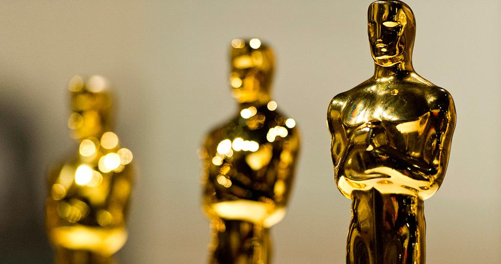 Платье Кейт Уинслет на церемонии вручения «Оскар» сравнили с мешком для мусора