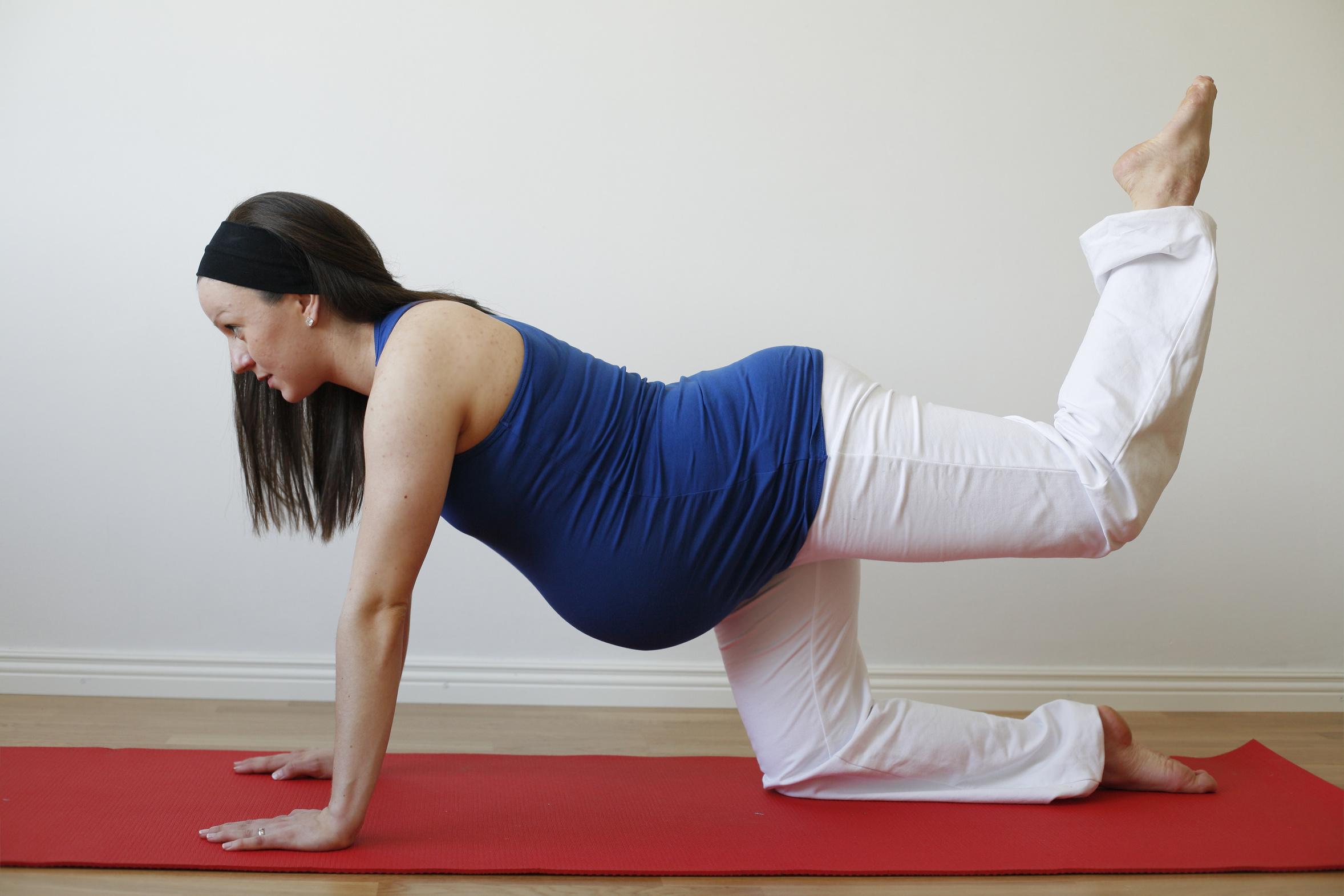 Отжимания во время беременности