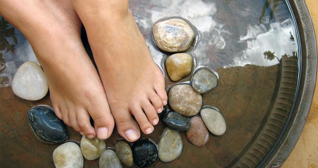 Потливость ног - народные методы устранения патологии