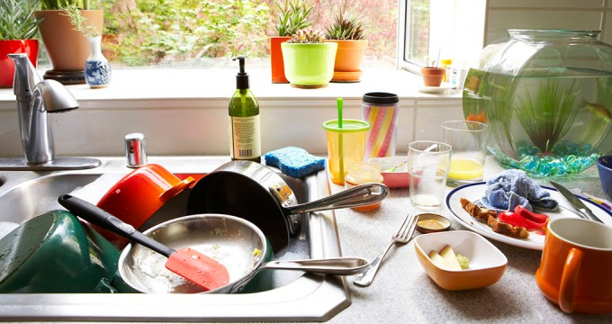 Запах из раковины на кухне — как его устранить?