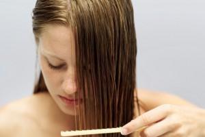 Пачкаются волосы
