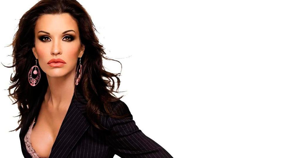 У модели Дженис Дикинсон обнаружили рак груди