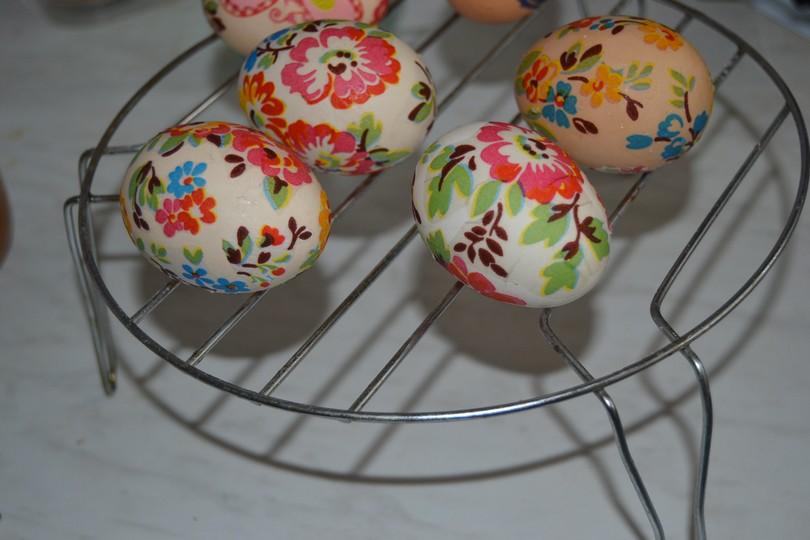 Оставляем яйца сушиться