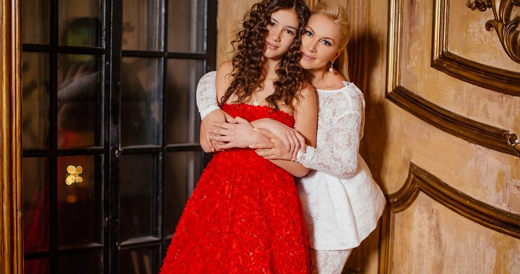 Дочь Немцова скромно отметила свое четырнадцатилетние