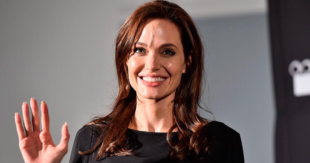 По слухам Анджелина Джоли попала в больницу из-за потери веса