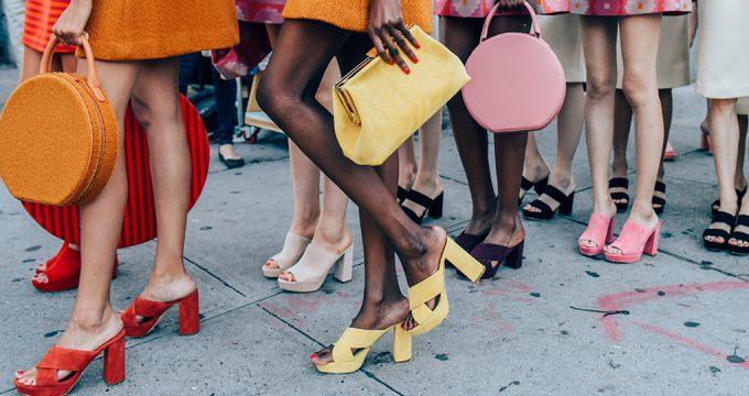 С чем носить мюли — сочетаем обувь без задника