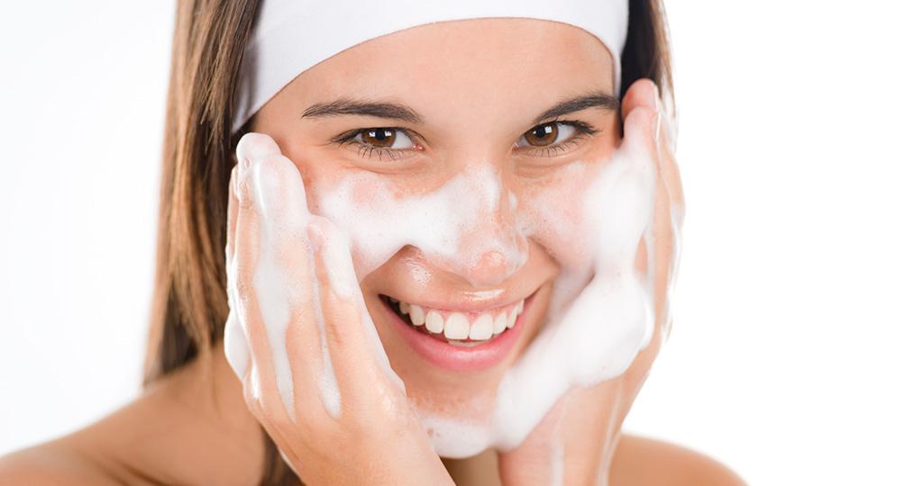 Очищающие средства для сухой кожи лица