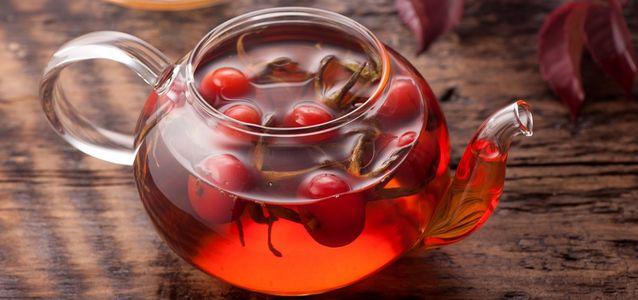 чай с шиповником зимой
