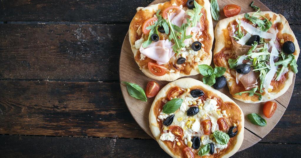Мини-пицца – 3 рецепта в духовке
