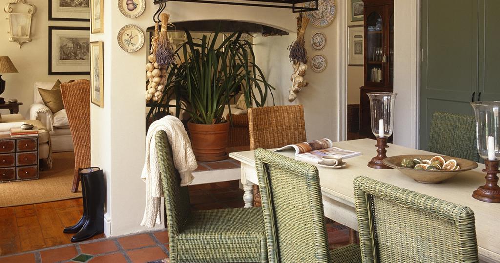 Квартира в стиле кантри – подбор мебели для комнат
