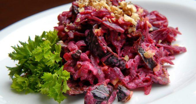 Салат из свеклы с черносливом – 5 рецептов