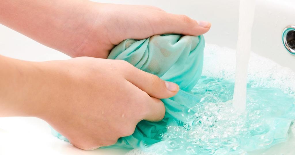 отстирать масло с одежды