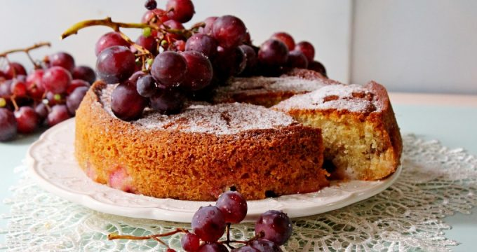 Пирог с виноградом – 5 простых рецептов