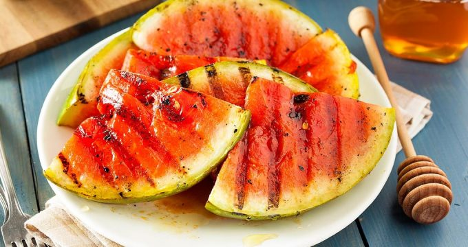 Жареный арбуз – 3 необычных рецепта