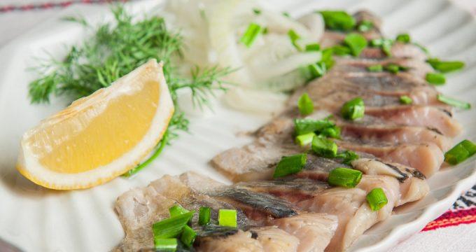 Селедка с уксусом — 4 вкусных рецепта