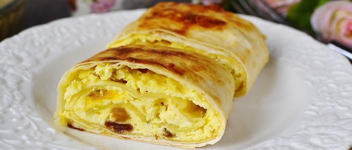 Лаваш с творогом и сыром в духовке