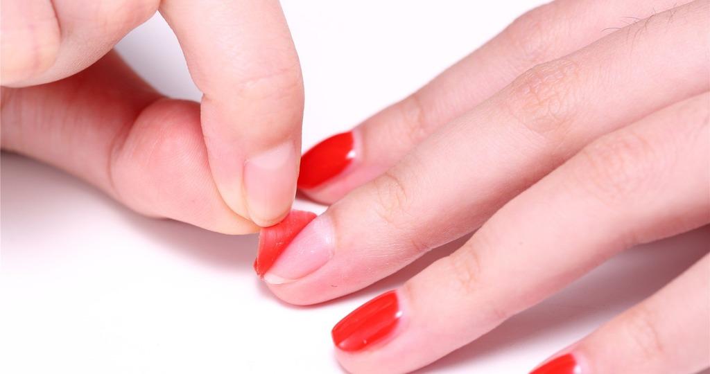 Ногти отслаиваются от геля