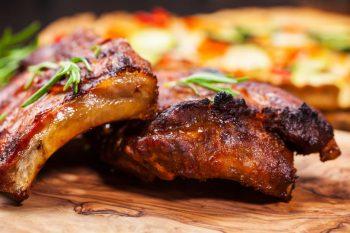 Свиные ребрышки в духовке – 6 рецептов