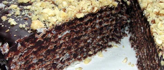 торт из вафельных коржей со сгущёнкой.