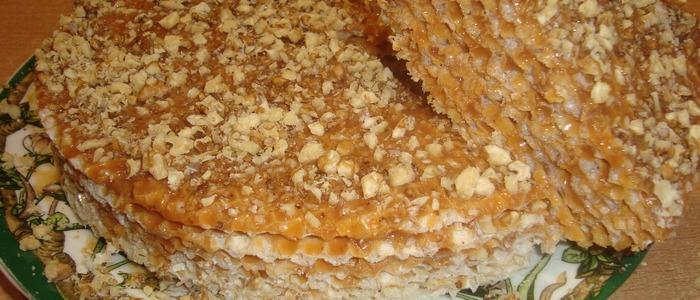 вафельный торт со сгущёнкой и сметаной.