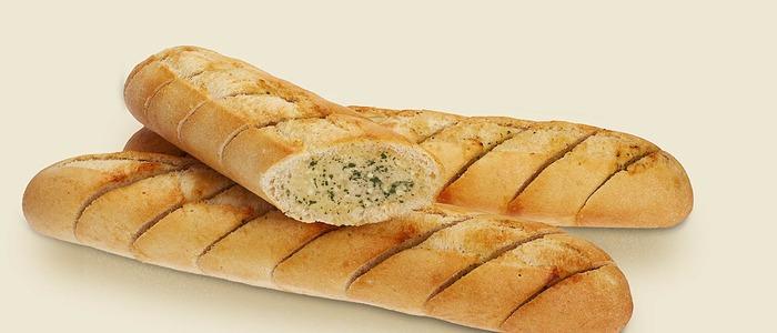 Французский багет с чесноком в духовке .