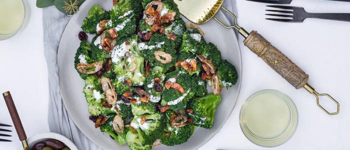 салат из брокколи и курицы