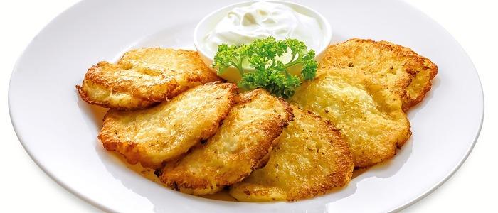 картофельные драники на сковороде