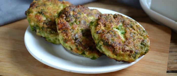 Оладьи из брокколи и цветной капусты