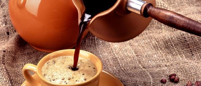 Сварить кофе в турке с пенкой