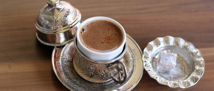 Вкусный кофе в турке с пенкой
