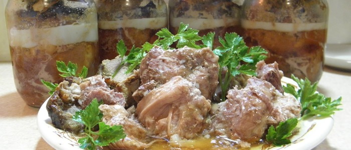 Тушенка из свинины в домашних условиях