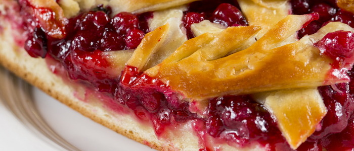 Слойки с брусникой и яблоками - рецепт пошаговый с фото