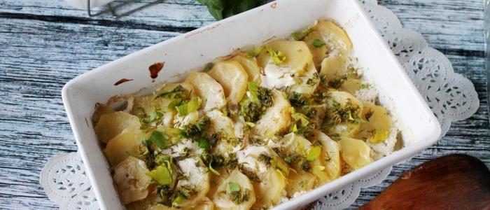 Картошка в сметане с сыром в духовке