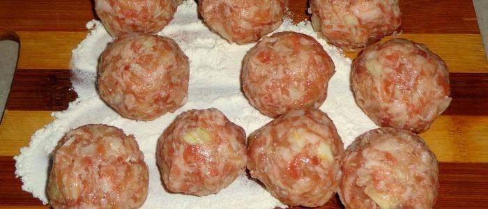 мясные шарики в духовке в соусе
