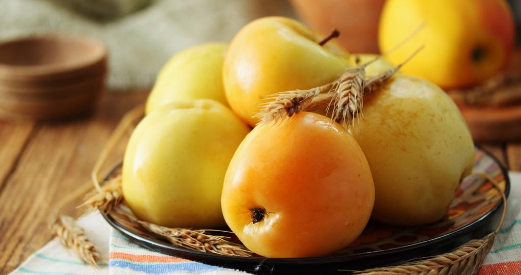 Моченые яблоки – 5 очень простых рецептов
