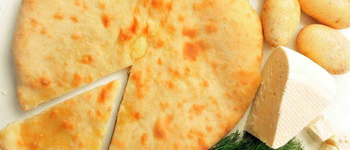 пирог с картошкой, сыром и мясом