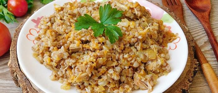 Рецепт гречки с тушенкой на сковороде